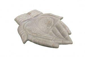 figura manos de marmol