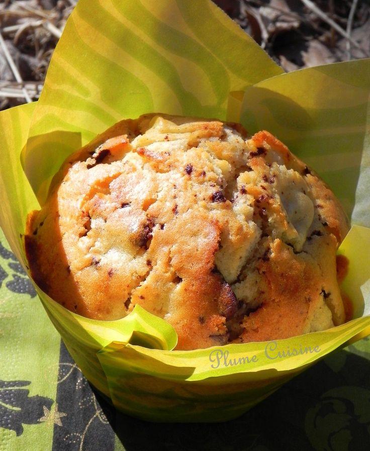 Chocolat-poire, un mariage à faire des envieux... Gourmandise au programme avec ces petits muffins poire et chocolat ultra moelleux au chocolat et à la poi