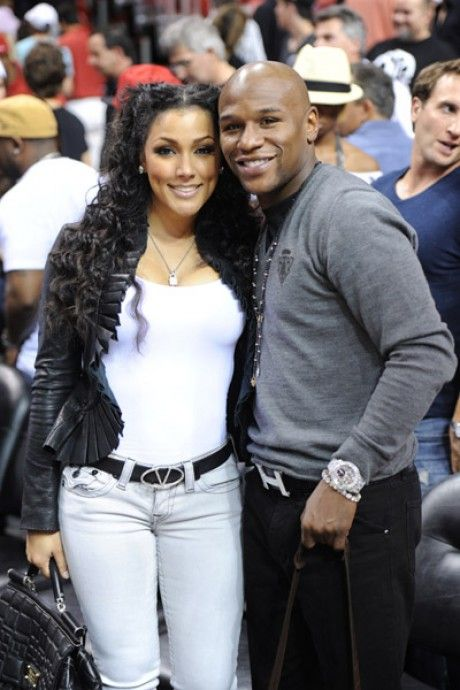 BOXING NEWS:Mayweather's ex fiancee Shantel Jackson filed civil case against him for beating and invading her privacy,would this affect his fight to Marcos Maidana this weekend?