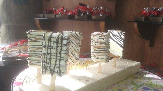 Bianco fondente e gianduia ... stecco pieno di piacere varierigato  www.cioccolatotavoletta.it
