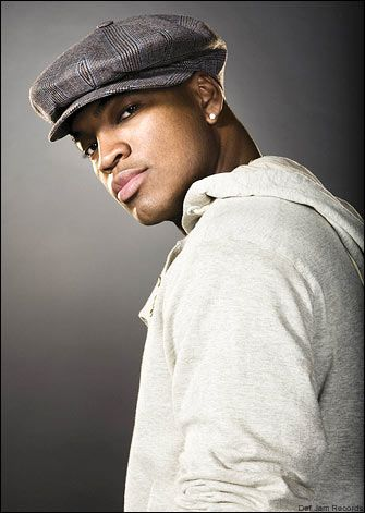 Ne yo...Great Voice, Great Smile and Great Lips!! XD