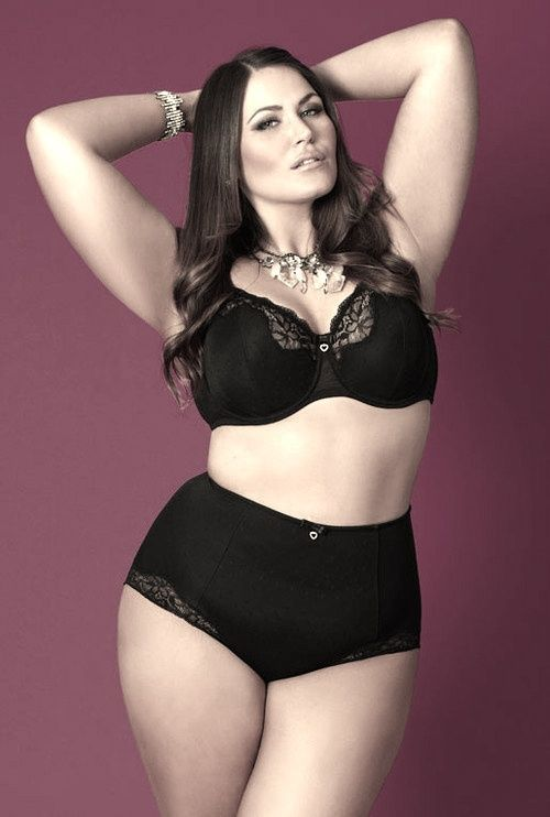 Maxwell dating plus size model