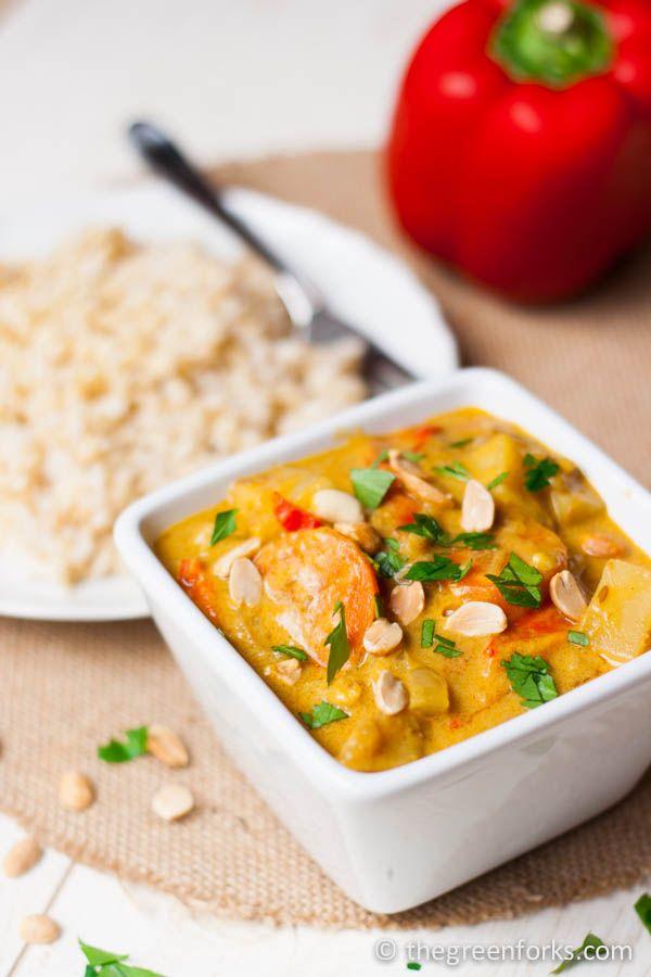 Simple Massaman Vegetable Curry with Tofu | TheGreenForks.com