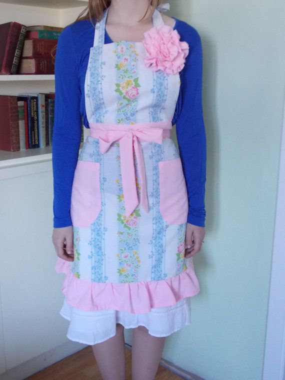 Hand Sewn Ladies Apron Made From Vintage Cotton by content2Bsew