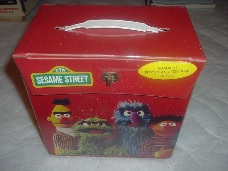 Wholesale Lot 5 Sesame Street 45rpm vinyl records and Vintage Record Carry Case.