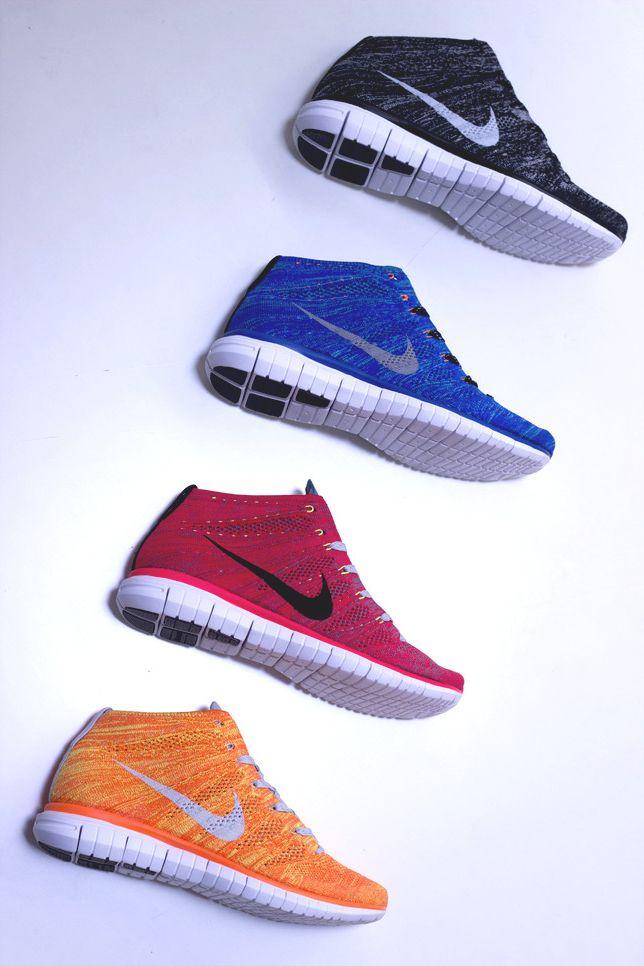 Me gustan los naranjos zapatos porque son miran atléticos. Me gustaria usar en él gimnasios y por casualidad