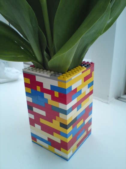 A LEGO vase is a MUST for any boy with a plant in his room. Cute!