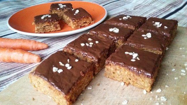 Zabpelyhes süti répával, csokival (diétás recept)