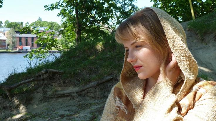 Yona (Johanna Louhivuori).