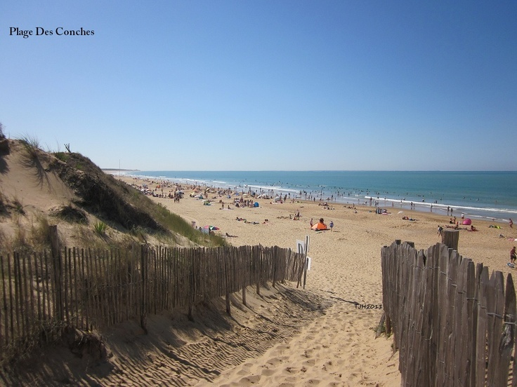 Holidays in the Vendee by Thomas James. Conches Beach in Longeville Sur Mer