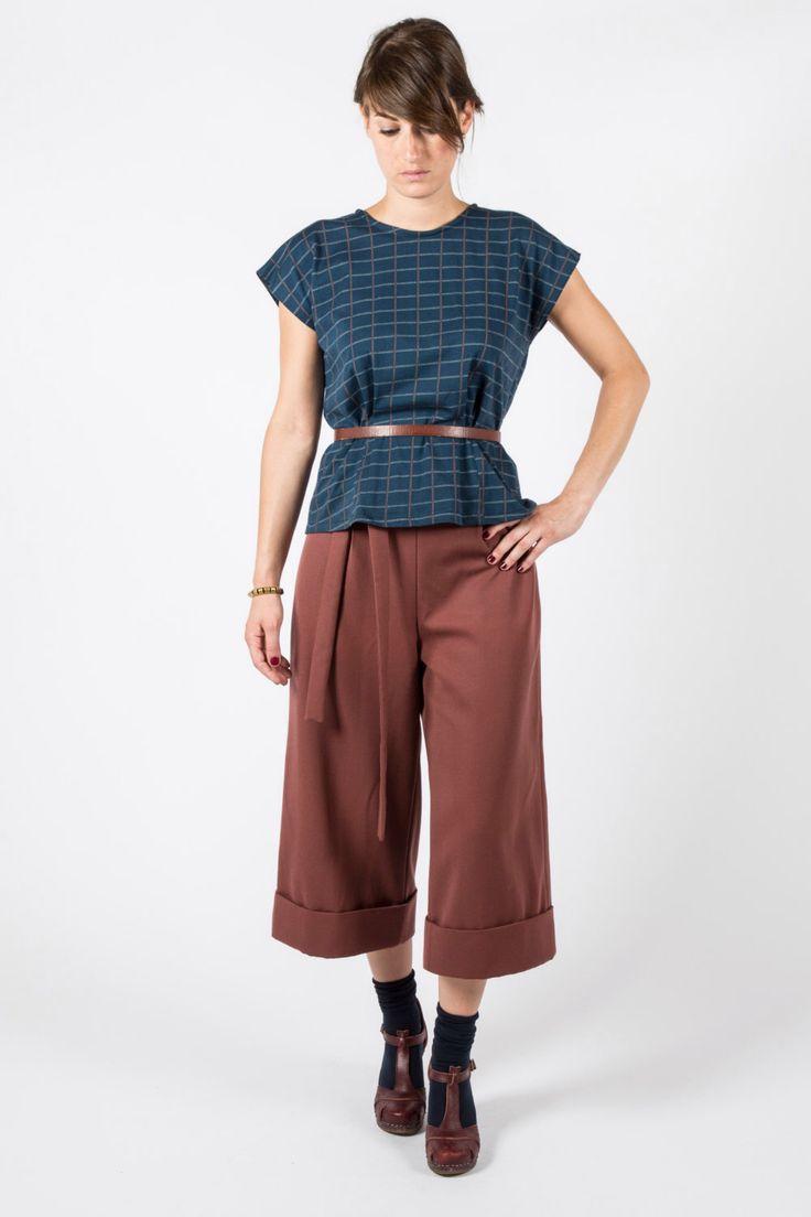 Pantalone in lana color marrone ruggine con risvolto e cinturino, ispirazione vintage anni 40, media lunghezza. di nivule su Etsy