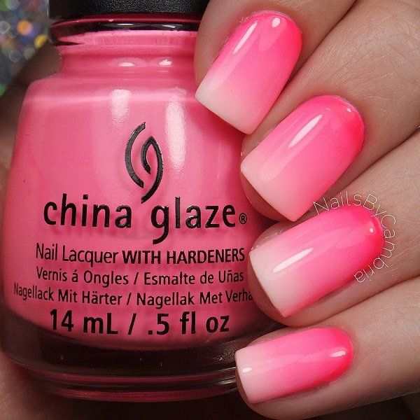 Beautiful pink gradient nail art design. Always go to the classic clean looking gradient and which will definitely match just about any outfit that you wear.