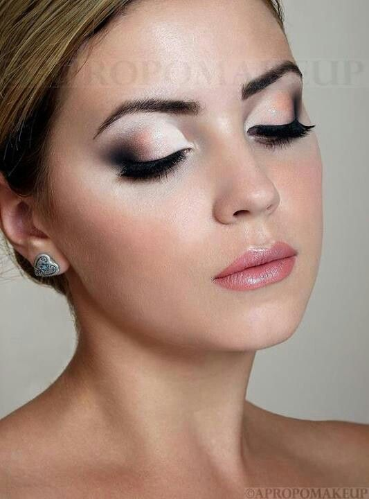 I love this idea for wedding makeup. I am thinking the peachy, middle color has to go though...