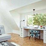 Benut de ruimte van de dakkapel optimaal door bijv. je bureau erin te zetten. Zo maak je ook nog eens optimaal gebruik van het daglicht.