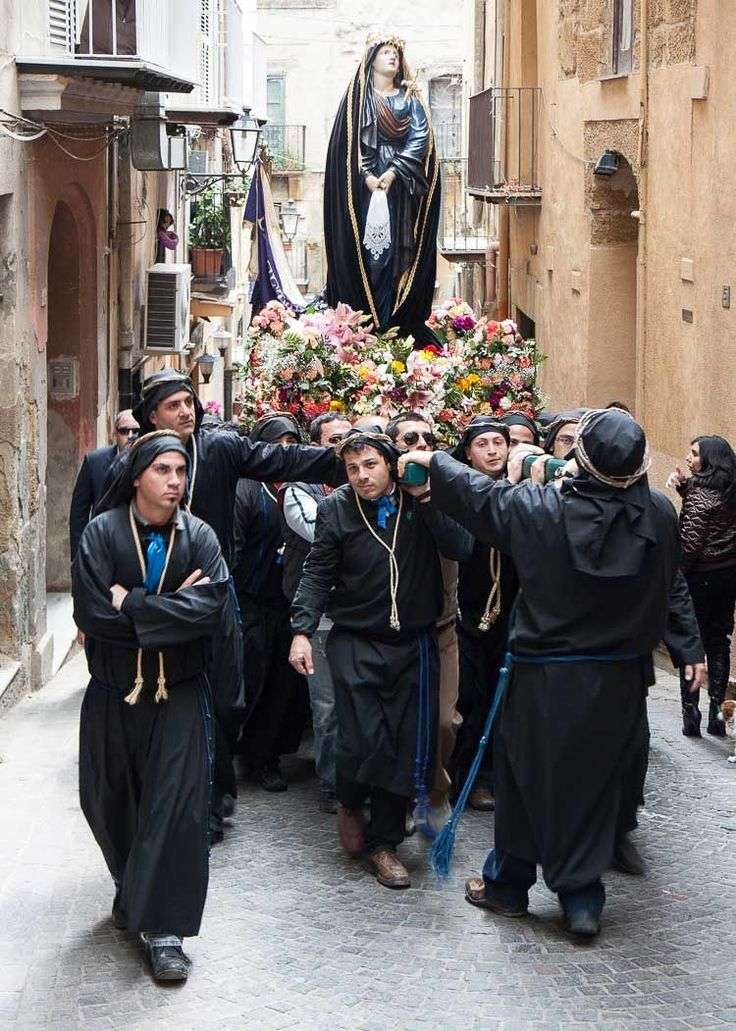 Easter week in Italy: Processions, events, food, and Pasquetta.