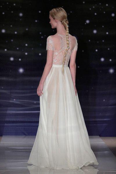 Reem Acra Bridal Spring/Summer 2016 Runway Show