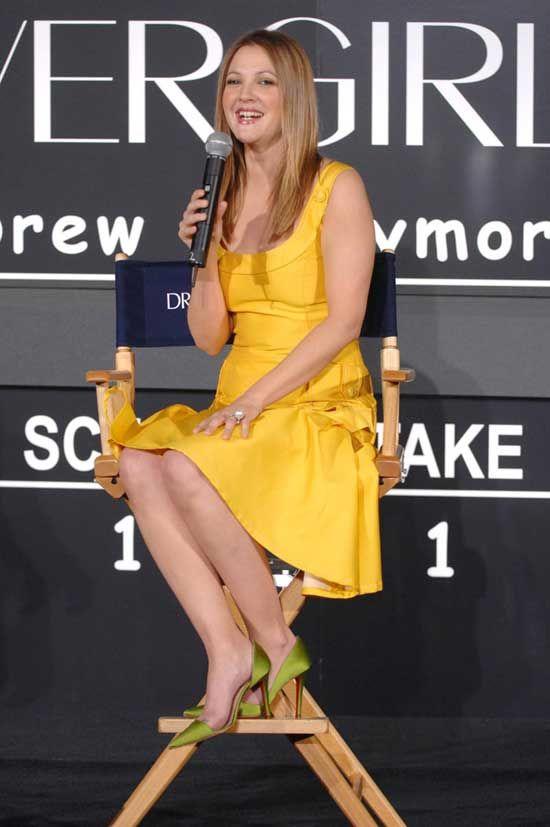 Flower: la linea make up di Drew Barrymore! - http://www.tentazionemakeup.it/2013/01/flower-la-linea-make-up-di-drew-barrymore/ #makeup #barrymore #collection