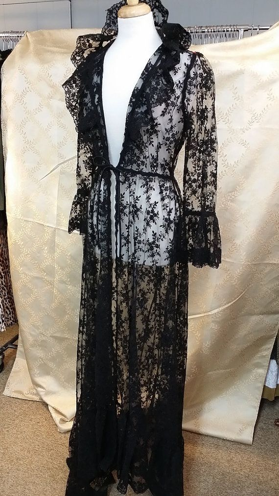 25 best ideas about morticia addams costume on pinterest morticia addams halloween costume. Black Bedroom Furniture Sets. Home Design Ideas