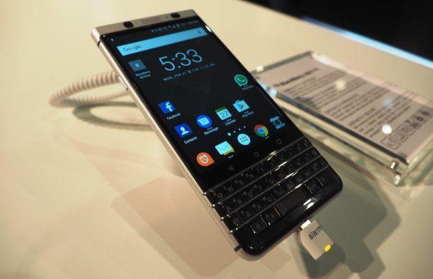 Pretul telefonului Blackberry KEYone in oferta Vodafone Romania