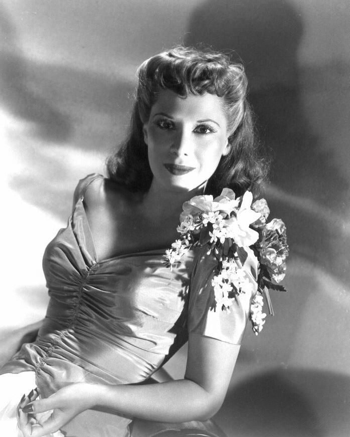 Dinah Shore - The Gypsy - Laughing On The Outside