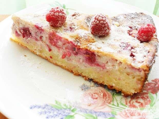 Малиново-творожный пирог / творожно- песочное тесто с начинкой из творога, яиц, 10 % сливок, крахмала, малины, лимонной цедры, корицы