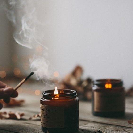 Die Geschichte besteht aus neuen Menschen, die alte Fehler wiederholen. -Sigmund Freud