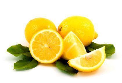 Es ist 10.000-mal stärker als Chemotherapie.  Alles, was man braucht, ist … eine gefrorene Zitrone.  Viele Profis in Restaurants und Gaststätten verwenden bzw. verbrauchen die gesamte Zitrone, und nichts wird weggeworfen.  Wie können Sie die ganze Zitrone verwenden – ohne Abfall?  Einfach … legen Sie die gewaschene Zitrone ins Gefrierfach Ihres Kühlschranks. Sobald die Zitrone gefroren ist, nehmen Sie Ihre Küchenreibe und zerschnitzeln die ganze Zitrone (ohne sie zu schälen) und bestreuen…