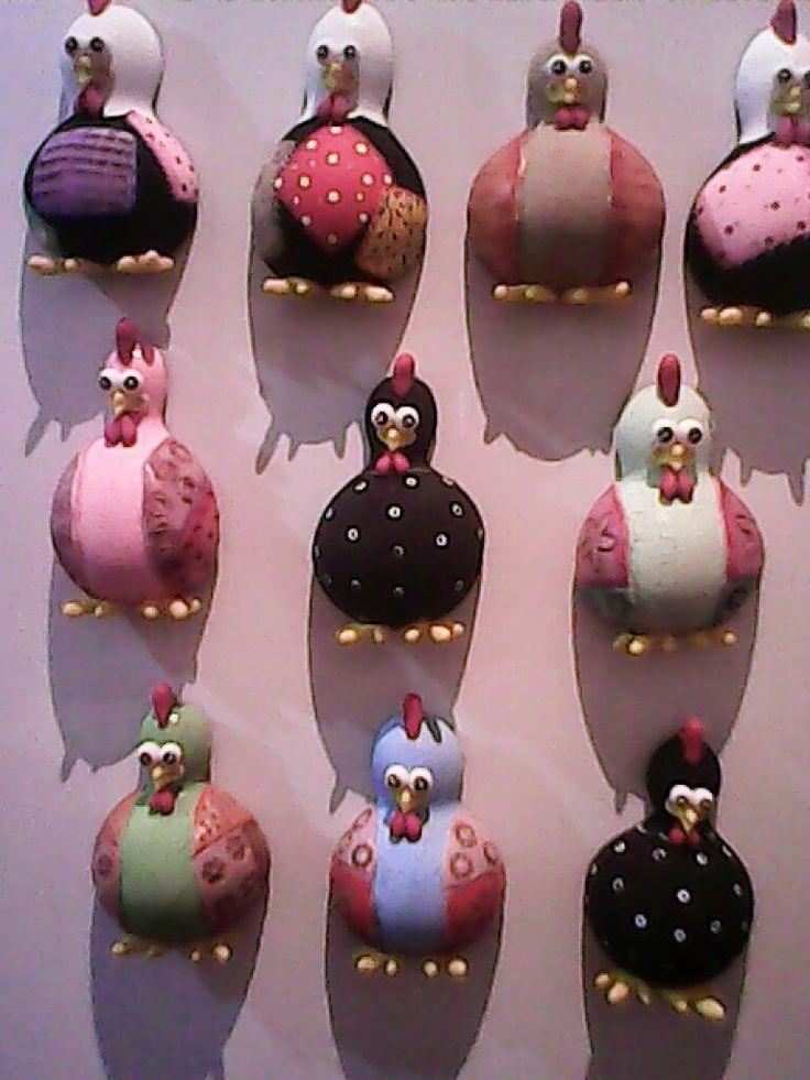 Iara Zenobia Artesanatos: Adicionar legendaImãs de geladeira, feitos com ca...