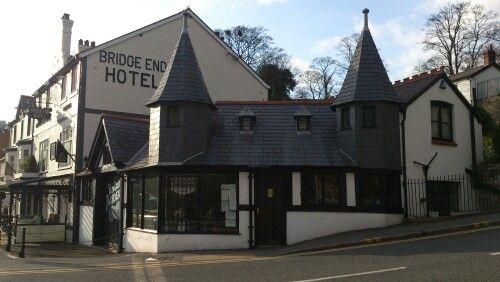 Bridge End Hotel, LLangollen. Robinsons beer, good food but poor receipts