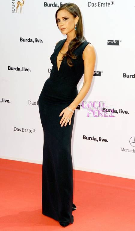Victoria Beckham rocks the Bambi Awards with her black dress and tremendous posing ability!