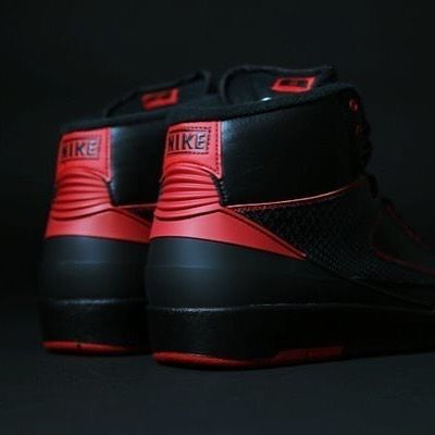 """SHOP: Nike Air Jordan 2 Retro """"Alternate""""  When you take a look at the Air Jordan 2 you might see some similarities between it and the Air Force 1. No worries you're not seeing things: Bruce Kilgore designer of the iconic Air Force 1 also crafted the second model in the Air Jordan line that dropped in 1986 when MJ was just on the rise to basketball stardom. This luxe Jumpman model takes a more fashion forward approach in comparison to its predecessor the Air Jordan 1. Being made in Italy…"""