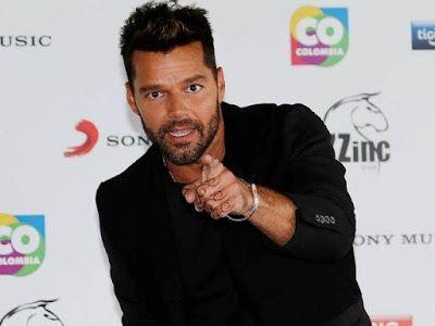 cotibluemos: Ricky Martin presenta el video de 'La mordidita'