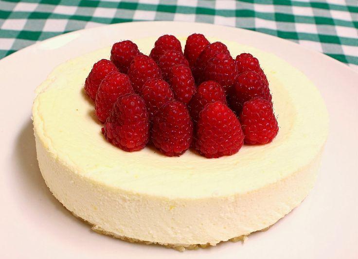 Sunn og sukkerfri protein ostekake på nøttebunn