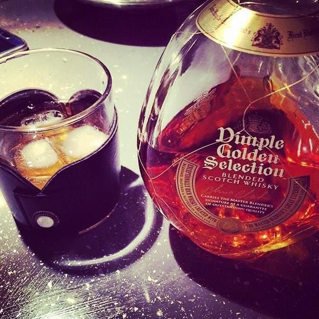 #repost @sevimcinar O zaman başlayalım👊🏼😍😋💕 #dimple #whisky #blendedscotchwhisky #ice #bircumagecesiateşi geleneğibozmayalım hoopiçelim #dimplewhisky #dimplewhiskey