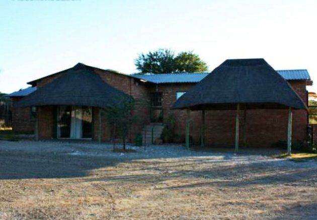 Marrick Safari - With over 3000 hectares of pristine African savannah veld at your disposal, Marrick Safari has plenty to offer in terms of excitement, adventure, sporting activities or more relaxing pursuits.  At Marrick, ... #weekendgetaways #kimberley #southafrica