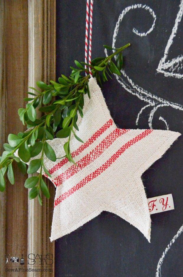 Grain Sack star Christmas ornaments ♡ ~Rustic Living ~GJ *  Kijk ook eens op mijn blog: www.rusticlivingbygj.blogspot.nl