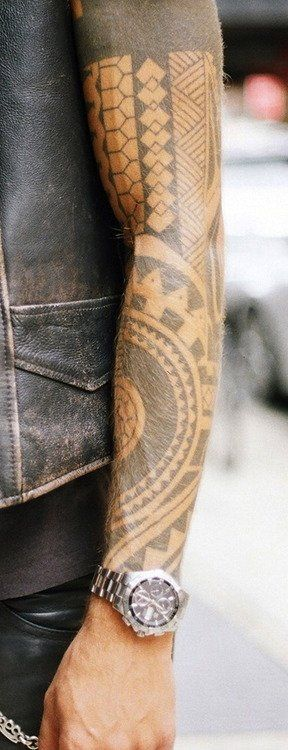 I think this is a copy of another tattoo artist. It might just be different samoan/maori motifs though.
