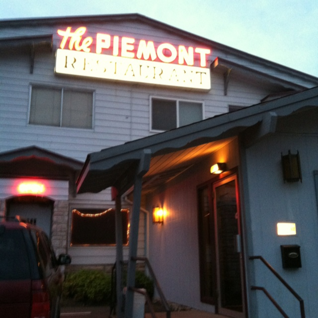 The Piemont Restaurant, 1200 S. Mt. Shasta Blvd. has some of the best ravioli I've ever had...an old family recipe.Absolute Amazing, Shasta Blvd, Minestrone Soup, Cooking, Piemonte Restaurants, Families Recipe, Mount Shasta, Homemade Families, Things Mount