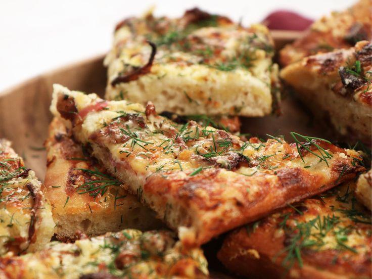 Kantarellpizza med lagrad ost | Recept från Köket.se