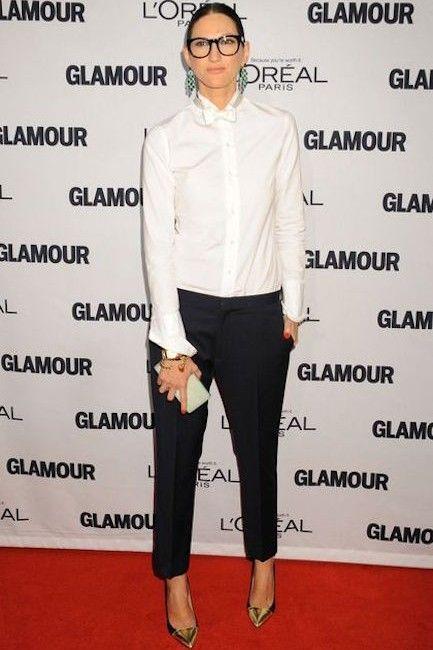Sur le blog, le look de Jenna Lyons pour moins cher! Androgyne, chemise blanche, noeud papillon