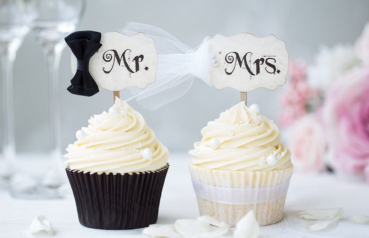 Los cupcakes, al igual que los mason jars, tuvieron su época de gloria en las bodas del 2015, pero este 2016 es hora de dejarlos en el pasado y buscar algo nuevo y original. Checa estas 8 tendencias de boda que ya están out.