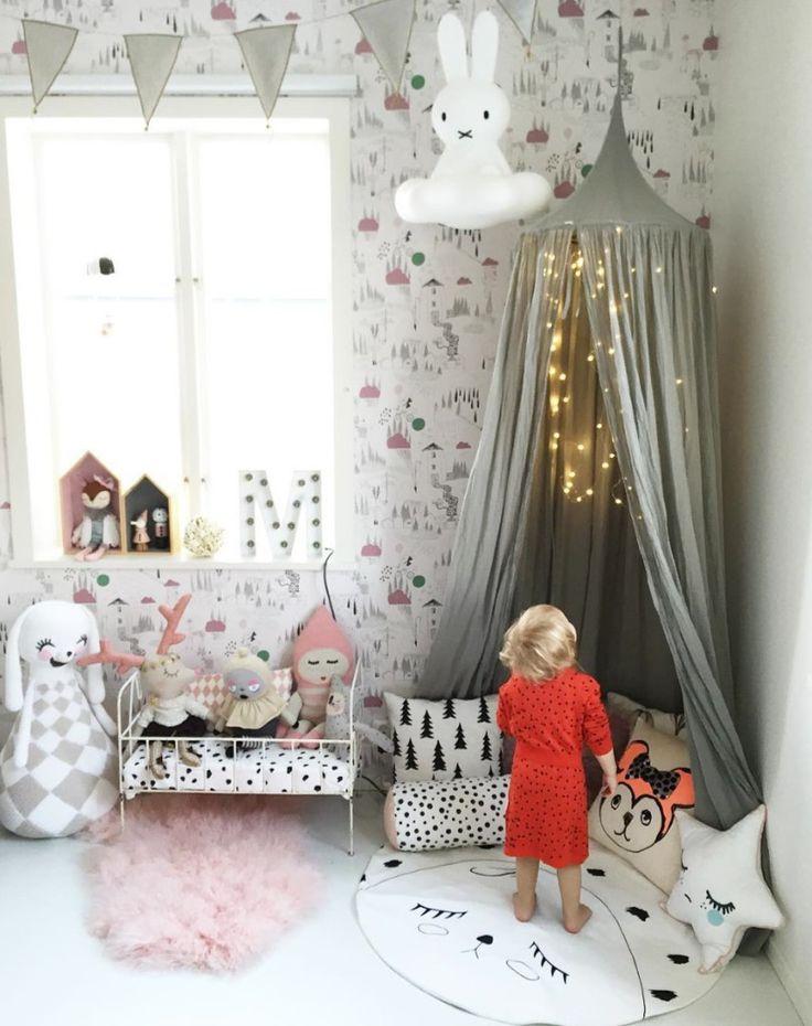 Αν βρίσκεσαι σεανακαίνιση ή απλά θέλεις να διακοσμήσεις το υπνοδωμάτιο τωνπαιδιών σου,εδώ θα βρεις διάφορους τρόπους διακόσμησηςανάλογα με την ηλικία των παιδιώνκαι το μέγεθος του υπνοδωματίου…