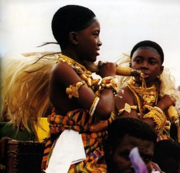 Ashanti Girls Dressed For A Festival