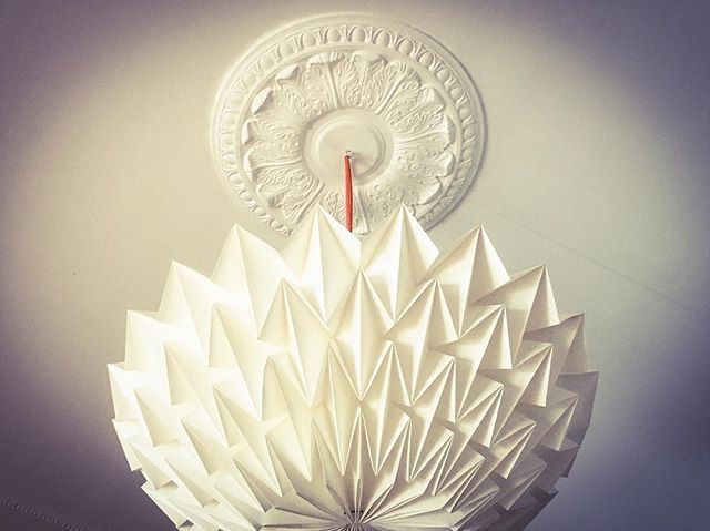 'When he shall die, Take him and cut him out in little stars, And he will make the face of heaven so fine That all the world will be in love with night And pay no worship to the garish sun.' William Shakespeare, 'Romeo and Juliet'  Light designed by Daniëlle Origami Lampen  #light #origami #quote #shakespeare #romeoandjuliet #stars