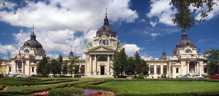 Bath Széchenyi in Budapest  www.hungary-special.com