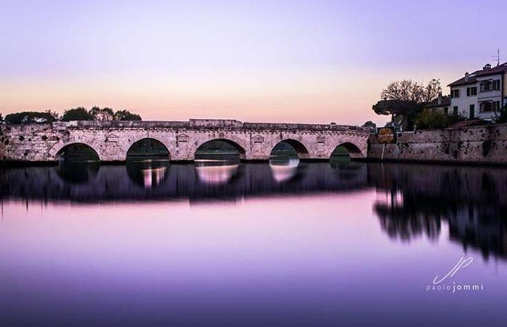 Rimini, tramonto sul Ponte di Tiberio - Instagram by paolojommi