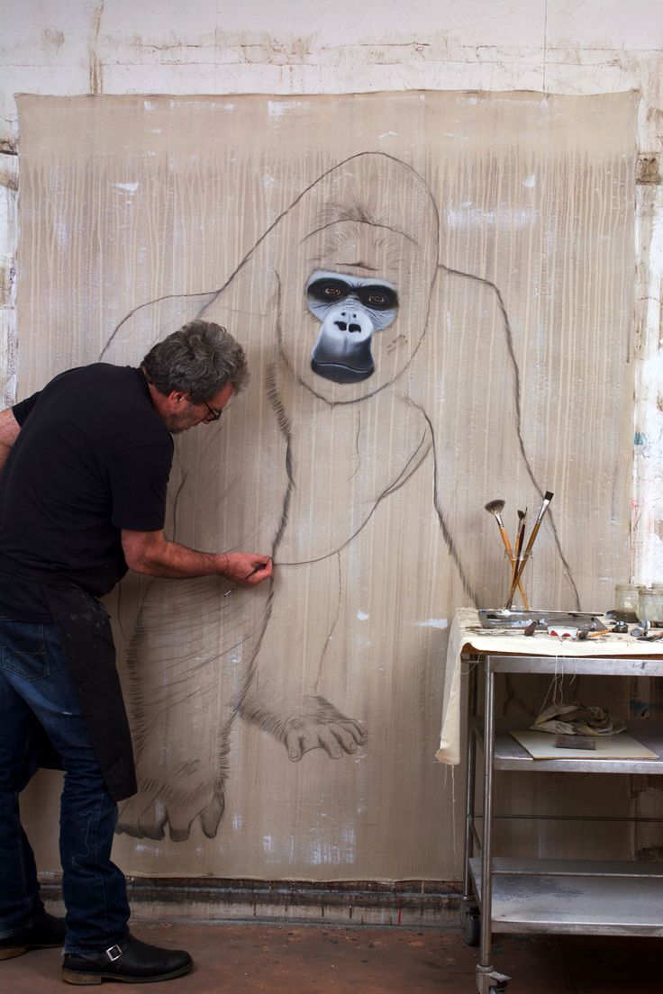 A  l`atelier-gorille-gorilla-primate-dos-argenté-singe-hominoïdes-extinction-protégé-disparition