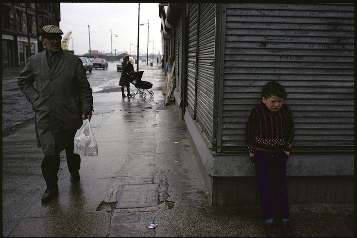 The Slums of 1980s Glasgow Through the Lens of a French Photographer
