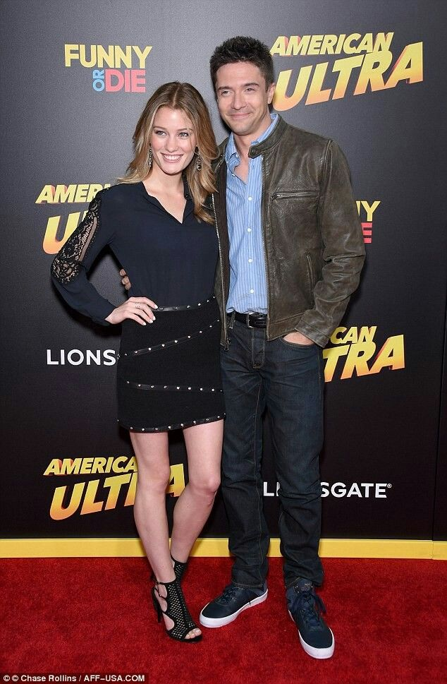 Topher Grace and Ashley Hinshaw