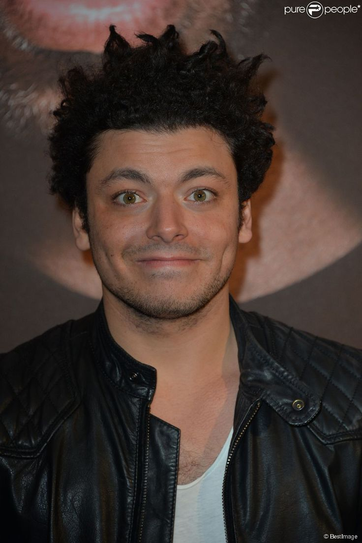 Soda bande dessinée | Kev Adams à Paris, le 17 mars 2014.